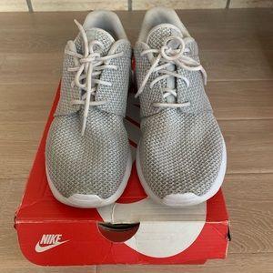 Gently used Nike Roshe